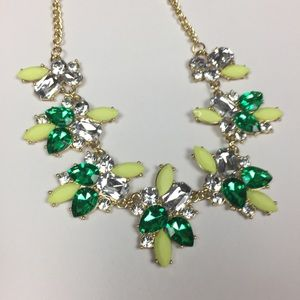 Jewelry - 🆕NWOT Green & Gold Statement Necklace